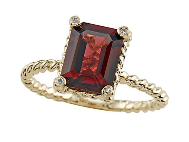 Genuine Garnet Ring by Effy Collection in 14 kt Yellow Gold Size 4
