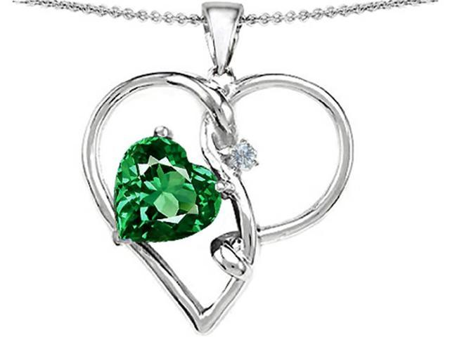 Star K Large 10mm Heart Shaped Simulated Emerald Knotted Pendant Necklace in Sterling Silver