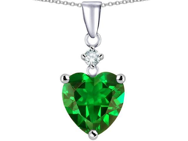 Star K 8mm Heart Shape Simulated Emerald Pendant Necklace in Sterling Silver