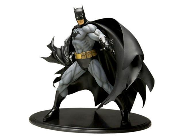 DC Comic: Batman Black Costume Version ArtFx Statue