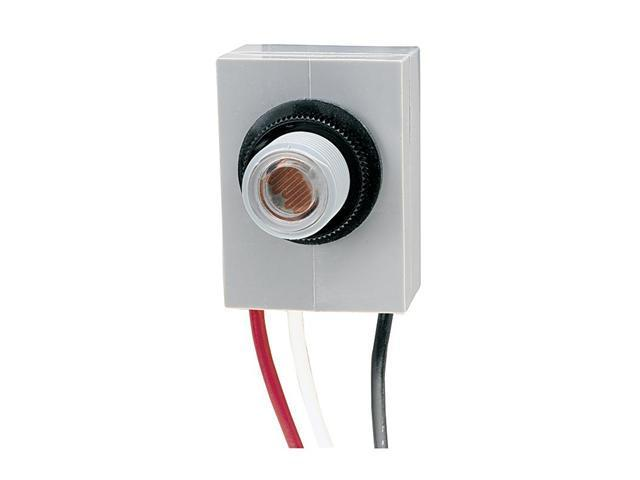 Intermatic K4021C Fixed Position 1800W Thermal Type Photo Control