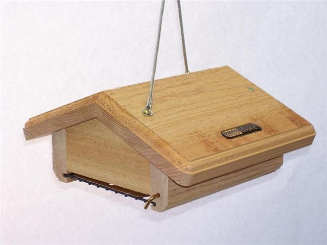 Birds Choice Single Cake Upside Down Suet Bird Feeder with Hanging Cable