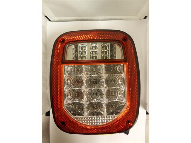 AutoSmart ALL LED UNIVERSAL STUD-MOUNT COMBINATION TAIL LIGHT W LICENSE ILLUMINATOR CLEAR LENS (RED) KL-25117LC-R