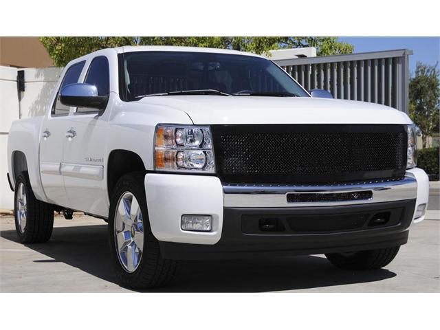 T-REX 2007-2012 Chevrolet Silverado 1500 Upper Class Mesh Grille - All Black - 1 Pc Style (Replaces OE Grille) BLACK 51111