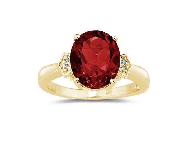 Garnet  & Diamond Ring in Yellow Gold