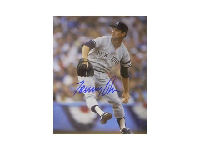 Tommy John signed New York Yankees 8x10 Photo
