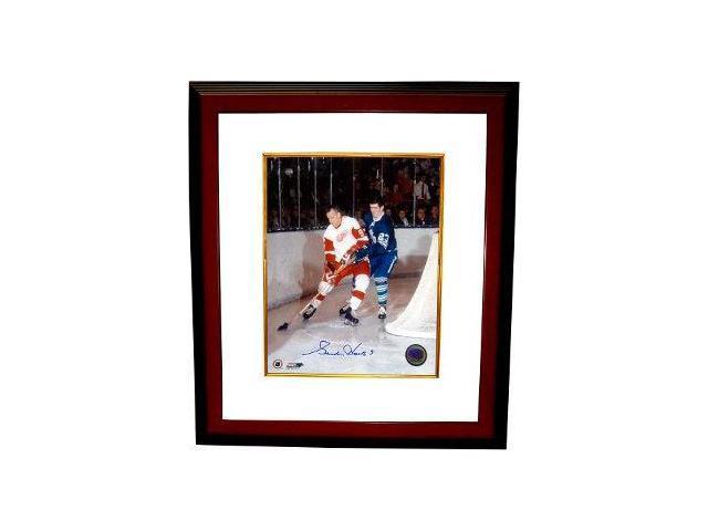 Gordie Howe signed Detroit Redwings 16x20 Photo vs Toronto Custom Framed