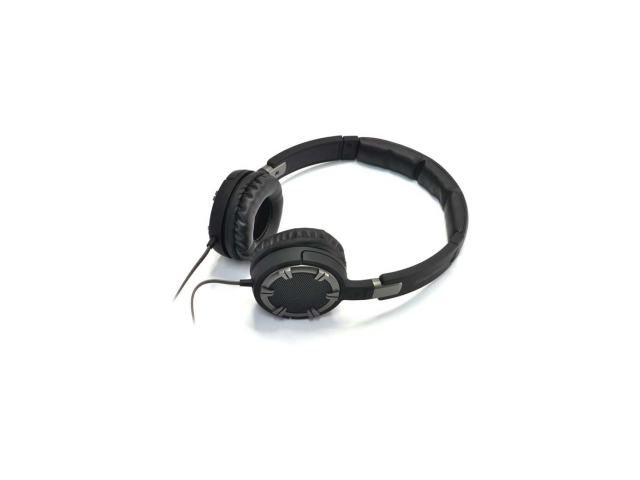 Gear Head Dynamic Bass Stereo Headphones w/ Noise Isolation