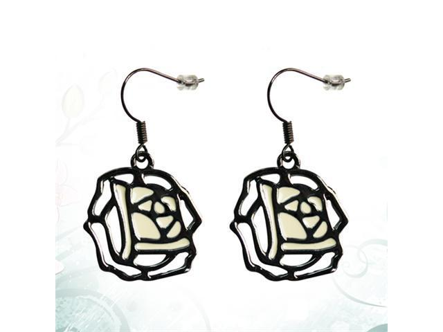 JA-ME 21*24mm Rose Black Pierced Earrings.