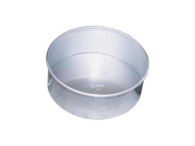 Wilton Decorative Preferred 8 by 3-Inch Round Bakeware