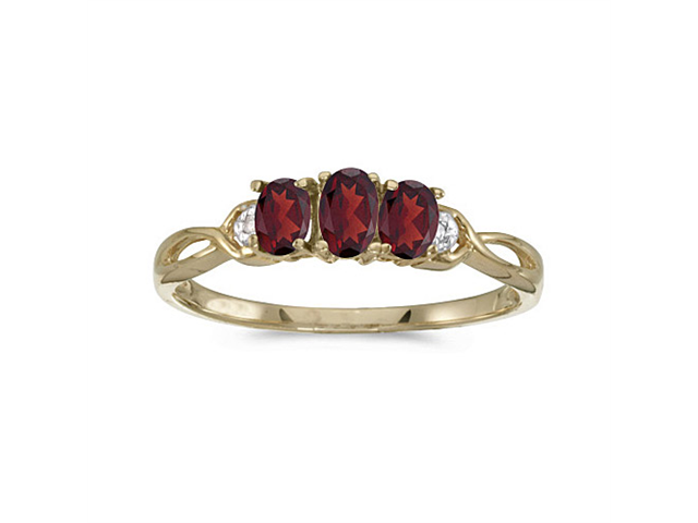 14k Yellow Gold Oval Garnet And Diamond Three Stone Ring (Size 6)