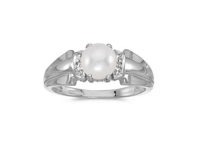 14k White Gold Pearl And Diamond Ring (Size 5.5)