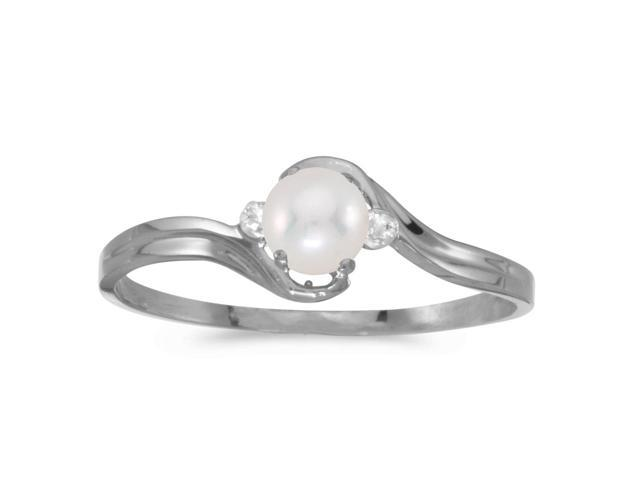 14k White Gold Freshwater Cultured Pearl And Diamond Ring (Size 7)
