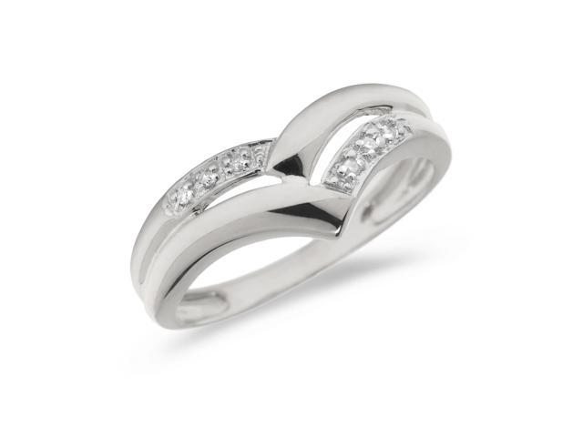 10K White Gold Diamond Chevron Ring (Size 8)