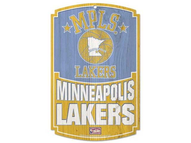 Los Angeles Lakers Official NBA 17