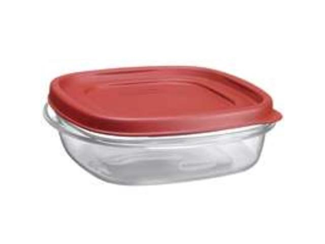 Rubbermaid 3 Cup Square Chili Red Easy Find Container  1777086