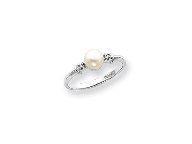 14k White Gold 5mm Pearl AA Diamond ring Diamond quality AA (I1 clarity, G-I color)