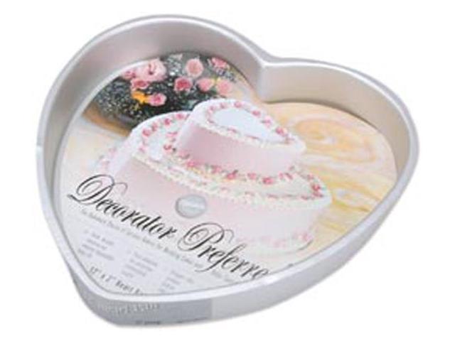 Decorator Preferred Cake Pan-12
