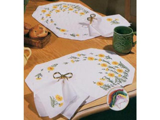 Stamped Placemats & Napkins For Embroidery-Wind Swept