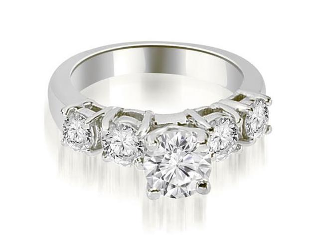 0.90 cttw. Prong Set Round Cut Diamond Engagement Ring in Platinum