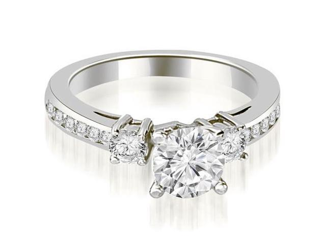 0.95 cttw. Round Cut Diamond Engagement Ring in Platinum
