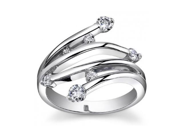 0.75 ct Ladies Round Cut Diamond Anniversary Ringin 14 kt White Gold