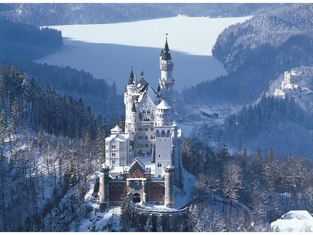4,000 Pieces Jigsaw Puzzle - The Castle of Neuschwanstein, Germany
