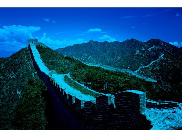 1,000 Pieces Jigsaw Puzzle - The Great Wall of China; Glow-in-the-Dark.