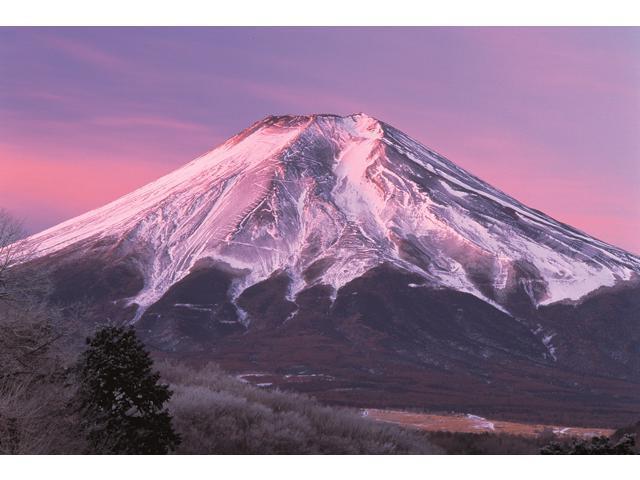 1,000 Pieces Jigsaw Puzzle - Mountain Fuji, Japan; Glow-in-the-Dark.