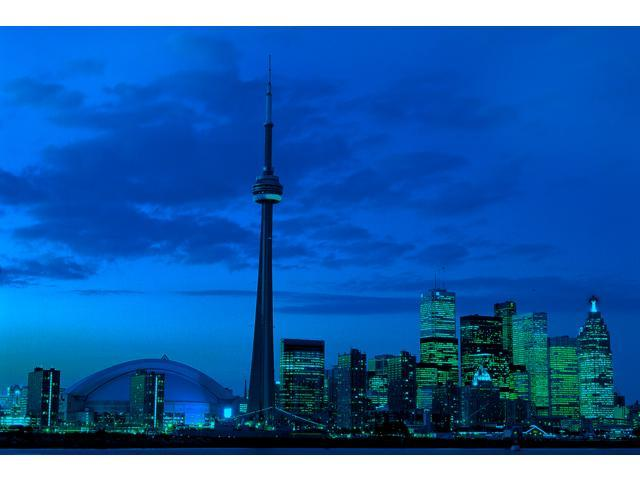 1,000 Pieces Jigsaw Puzzle - CN Tower, Toronto, Canada; Glow-in-the-Dark.