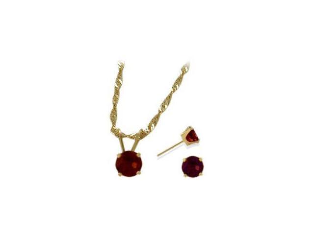 14K Yellow Gold Genuine 1.71tcw.  Garnet Solitaire Pendant and Earrings Set