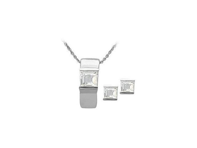 Ladies Genuine Sterling Silver White Topaz Pendant & Earrings Set with a chain