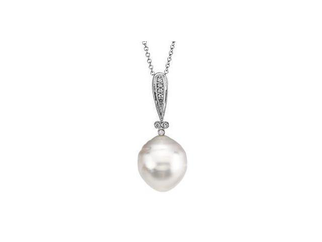 Diamond & White Pearl 14 Karat White Gold Pendant with a chain