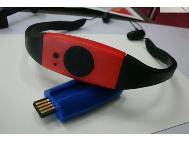 Tekit Waterproof MP3 Player with 4GB Memory and Earphone Headphone