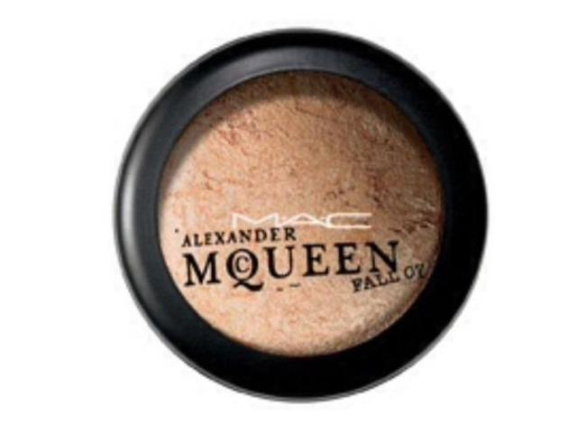Mac alexander mcqueen collection mineralize skinfinish for Mac alexander mcqueen