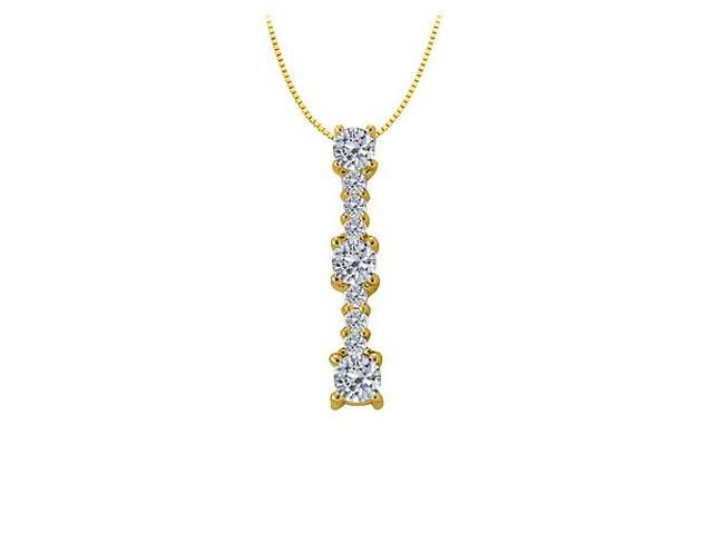 Three stone pendant with Cubic Zirconia in Yellow Gold Vermeil over Sterling Silver 1.00 CT TGW
