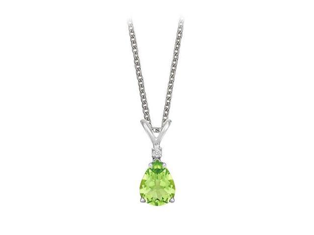 Pear Cut Peridot and Cubic Zirconia Pendant Necklace in Sterling Silver.1.02ct.tw