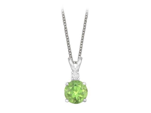 Round Cut Peridot and Cubic Zirconia Pendant Necklace in Sterling Silver. 1.02.ct.tw.