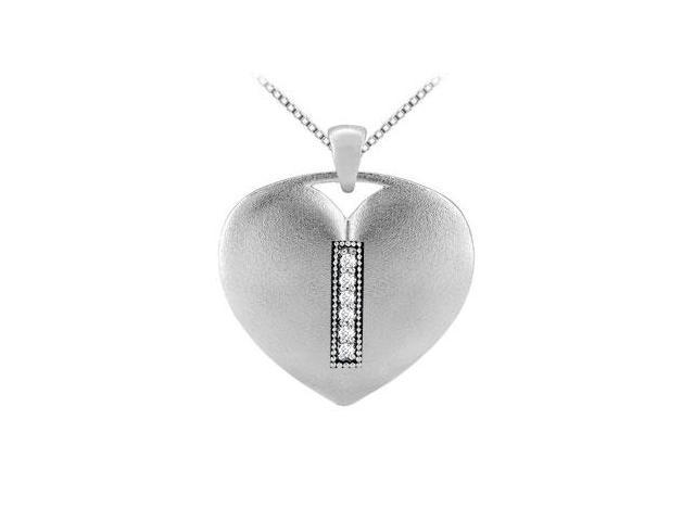 diamond initial I heart pendant in 14k white gold with 0.06 carat diamonds