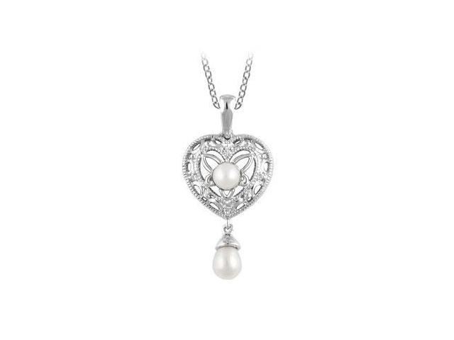 Freshwater Cultured Pearl and 0.02 Carat Diamond Pendant in .925 Sterling Silver 18 Inch Necklac