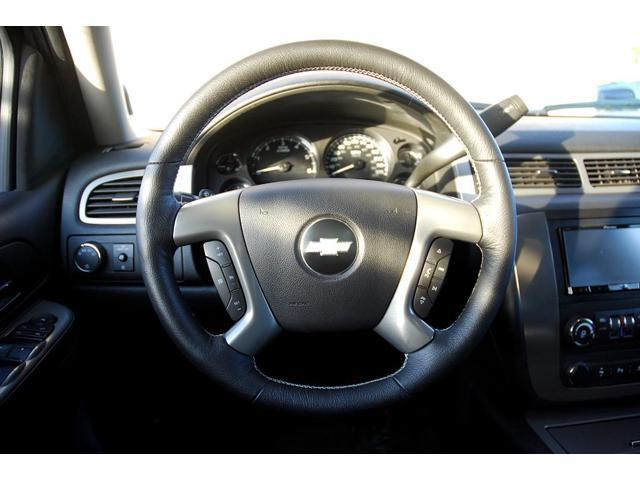 chevrolet tahoe 2007 14 steering wheel cover by. Black Bedroom Furniture Sets. Home Design Ideas