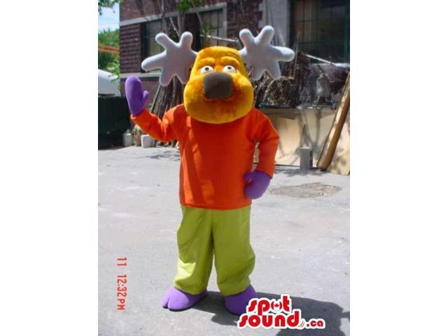 Reindeer Animal Canadian SpotSound Mascot Dressed In A T-Shirt, Pants And Gloves