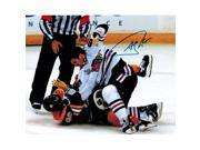 Andrew Shaw Signed Blackhawks 2013 Stanley Cup Finals Fight 8x10 Photo 9SIA1Z04FE3109