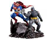 DC Collectibles The Dark Knight Returns: Superman Vs. Batman Statue 9SIV1976SM1691