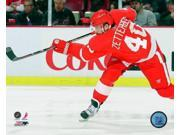 Henrik Zetterberg 2010-11 Action Photo Print (8 x 10)