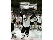 Matt Cullen with the Stanley Cup Game 6 of the 2016 Stanley Cup Finals Sports Photo (8 x 10) 9SIA1S74CV5024