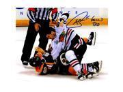 Schwartz Sports Memorabilia SHA08P427 8 x 10 in. Andrew Shaw Signed Blackhawks 2013 Stanley Cup Finals Fight Photo with Game 3 TKO 9SIA00Y6GA8137