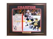 Encore Select 673-06 20 x 24 in. Jonathan Toews Chicago Blackhawks Autographed Frame Photo 9SIV06W69E4894