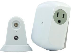 GE 10425 Wireless Indoor Dusk/Dawn Light Control with Outlet Receiver