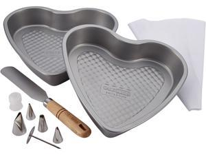 Cake Boss  59748  Professional Bakeware 10-Piece Santa and Heart Bakeware Set